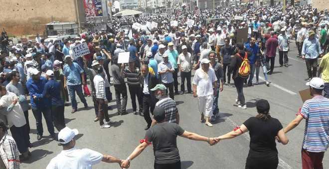 الآلاف يخرجون في مسيرة وطنية بالرباط لدعم مطالب ساكنة الريف