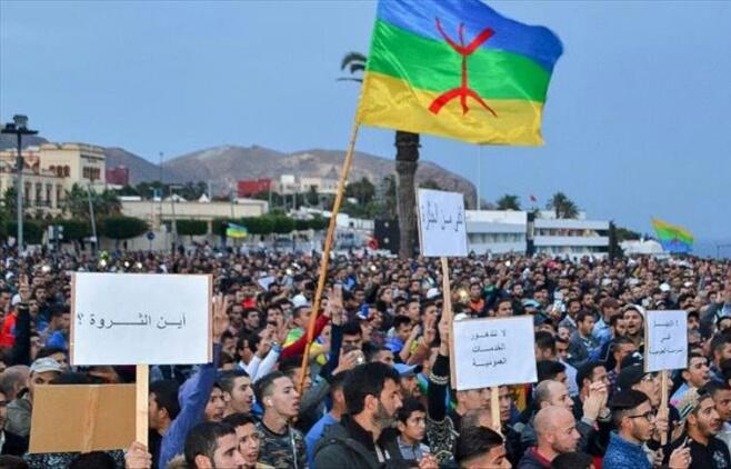 الجمعيات في ''قفص الاتهام'' بسبب الحسيمة