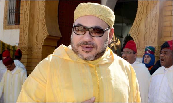 الملك يؤدي صلاة عيد الفطر بأحد أعرق مساجد البيضاء