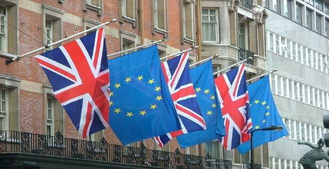 رسميا.. بدء المفاوضات بين الاتحاد الأوروبي وبريطانيا حول