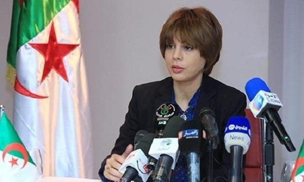 وزيرة الاتصال الجزائرية تطرد 3 مسؤولين على المباشر