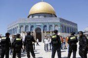 إسرائيل تمنع الرجال دون الخمسين من صلاة الجمعة في الأقصى