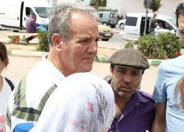 والدي الزفزافي من أمام السجن: ناصر بصحة جيدة