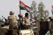 مقتل 10 جنود مصريين و40 مسلحا في هجوم انتحاري بسيناء