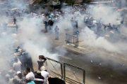 مواجهات عنيفة بين الفلسطينيين والشرطة الإسرائيلية في مدينة القدس