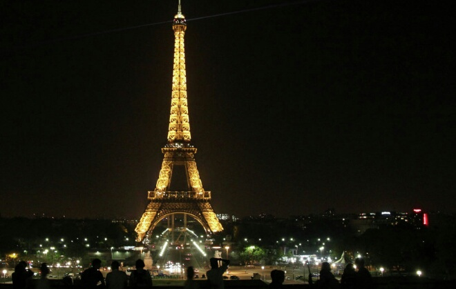 الشرطة الفرنسية توقف مهاجم حراس برج إيفل