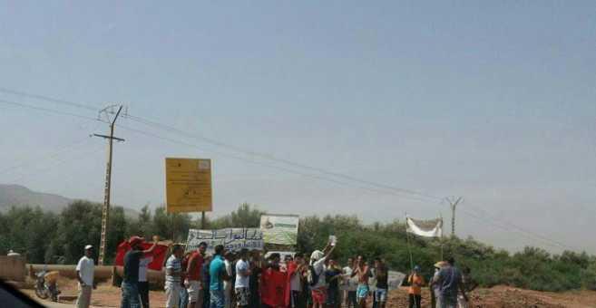 العطش مرة أخرى.. سكان أزيلال يحتجون لتزويدهم بالماء الشروب