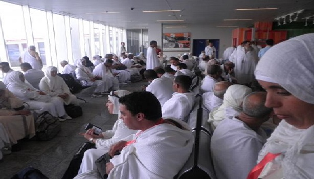 السلطات المغربية تحقق في ظروف إيواء الحجاج وتتوعد وكالات الأسفار المعنية