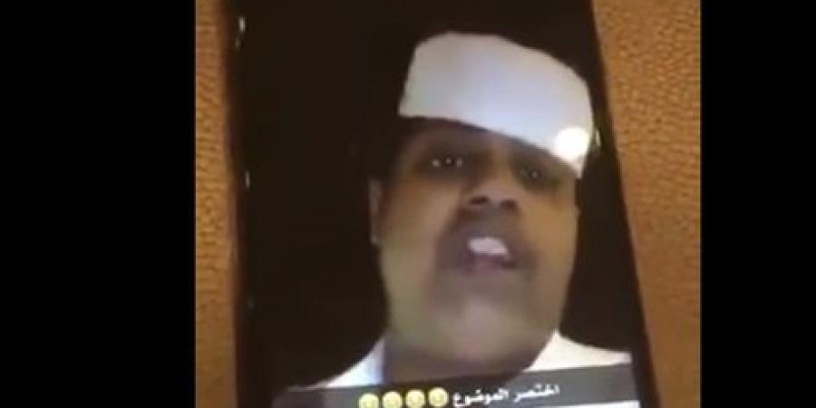 بالفيديو.. شاب سعودي يهدد بحرق سيارات النساء