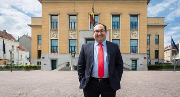 مغربي يترأس أكبر مجموعة سياسية فرانكفونية بالبرلمان البلجيكي