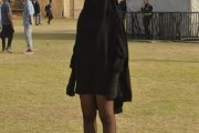 خلال مهرجان البولفار.. ظهور فتاة منقبة بتنورة قصيرة يخلق جدلا