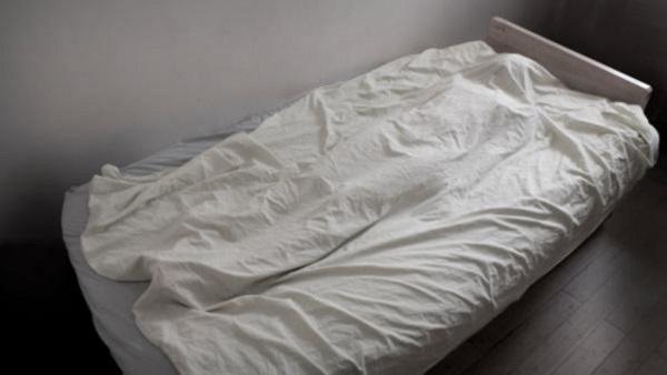الرائحة الكريهة تقود إلى اكتشاف جثة متحللة بعد مرور أسبوع على الوفاة