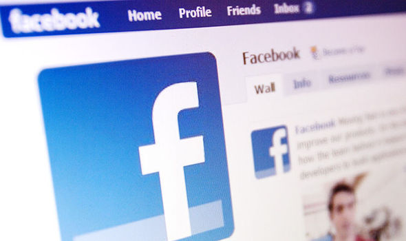 فيسبوك تختبر آداة جديدة لإنشاء السير الذاتية