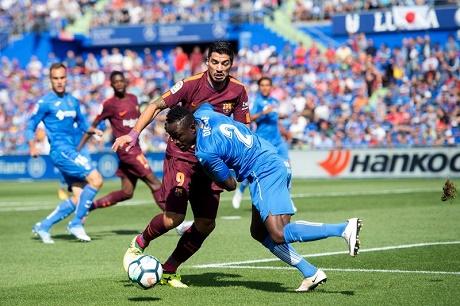 برشلونة يحقق فوزا صعبا على خيتافي