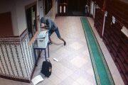 مغربي يسرق أموال المساجد بفرنسا في قبضة الأمن