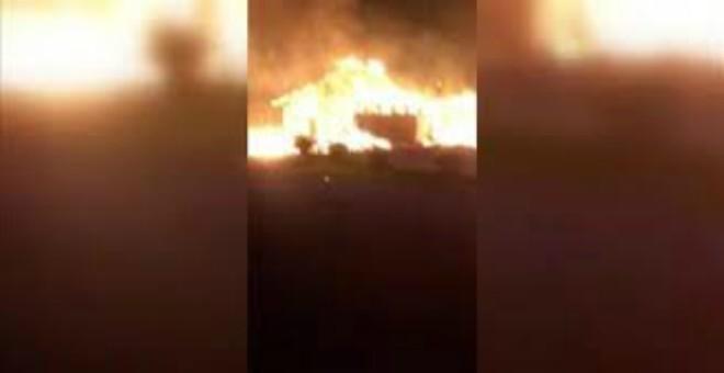 بسبب الكراهية ضد المسلمين.. إضرام النار عمدا في مسجد وسط السويد (فيديو)