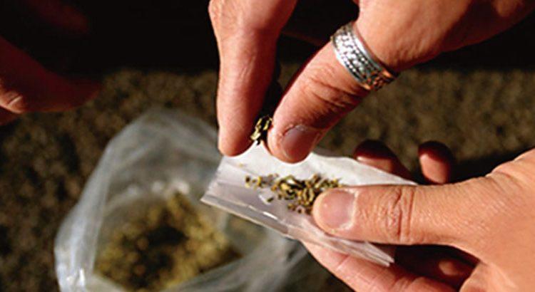 تعرف على أول دولة في العالم ستصدر المخدرات بشكل رسمي !!