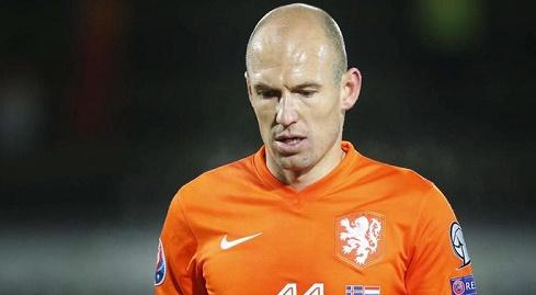 الدولي الهولندي روبن يعتزل اللعب دوليا
