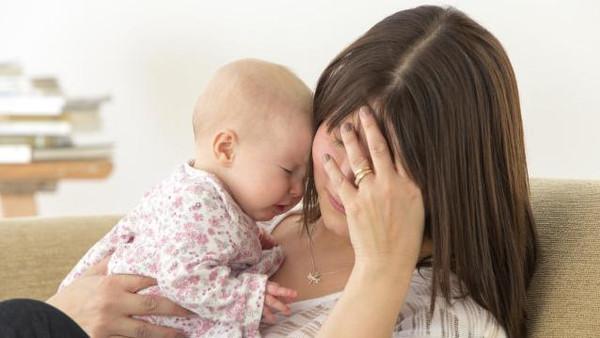 الاكتئاب بعد الولادة يقل في فصلي الشتاء والربيع