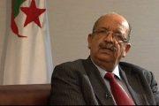 إثر مهاجمته للمغرب.. باحث جزائري يدعو إلى إقالة وزير خارجيته