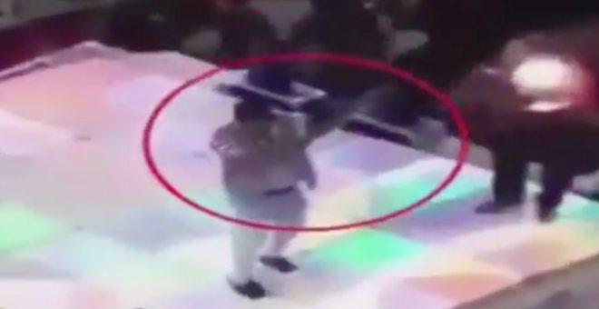 بالفيديو .. مقتل طفل برصاصة طائشة في حفل زفاف