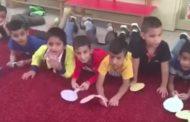 بالفيديو.. هكذا يتعلم أطفال روضة عملية الإخصاب