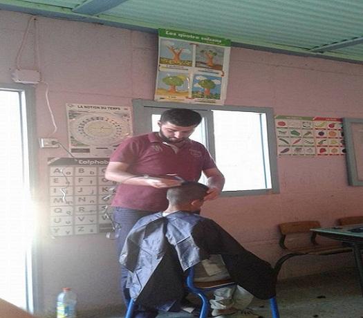 مثير.. معلم بالحسيمة يحلق شعر تلاميذه داخل القسم