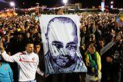 نشطاء ينصحون سكان الحسيمة بالالتزام بقرار الداخلية
