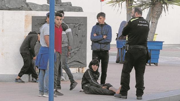 دخول أكثر من 260 قاصر لمليلية خلال شتنبر يقلق السلطات الإسبانية