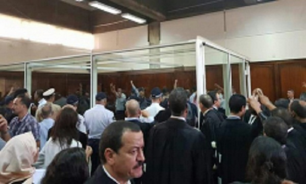 ارتباك خلال محاكمة مجموعة أحمجيق بعد تعرض أحد المعتقلين لحالة إغماء