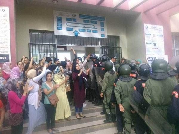 كلية الحقوق بطنجة .. اعتقال طلبة يؤجج الاحتجاجات