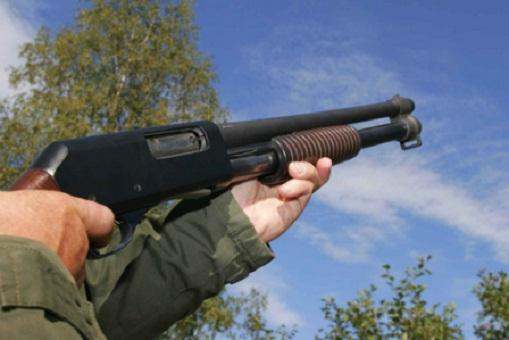 فلاح يطلق النار على قريبه بسبب الإرث