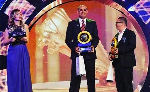 الزاكي بنال جائزة أفضل مدرب بالدوري الجزائري