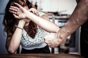 أرقام مفزعة لنسبة العنف ضد النساء في الأماكن العامة.. وحملة وطنية لوقف الظاهرة