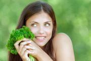 البقدونس.. العشب الأكثر انتشارا صاحب الفوائد المتعددة