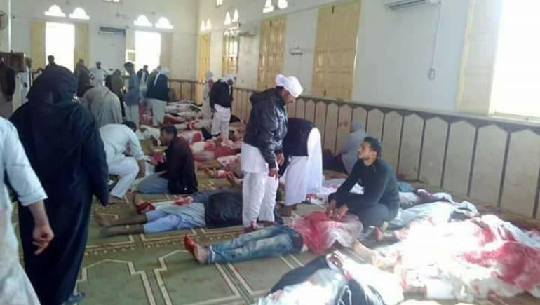 ارتفاع عدد ضحايا الهجوم على مسجد بشمال سيناء إلى 305 قتيلا