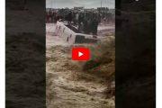 مياه الأمطار تجرف حافلة بمراكش.. وعشرات المصابين ينقلون للمستشفى