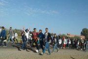 تلاميذ يحتجون مشيا على الأقدام مسافة 38 كيلومترا لهذا السبب...