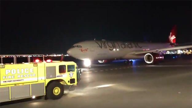 بالفيديو.. اصطدام طائرتين مصرية وبريطانية في نيويورك