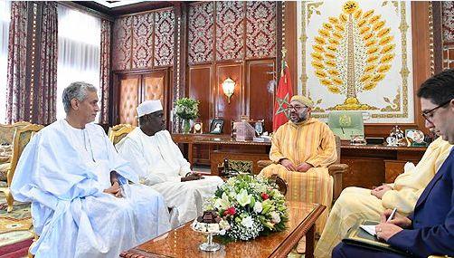 الملك يستقبل رئيس مفوضية الاتحاد الإفريقي.. وهذا ما تطرق له الطرفان