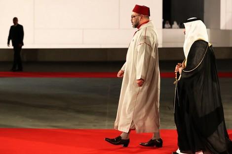 هل سيخفف تواجد الملك محمد السادس بالخليج حدة الأزمة الخليجية؟