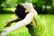 دراسة تكشف أن النساء العازبات هن الأكثر سعادة على الإطلاق