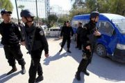 سلفي متشدد يطعن شرطيين بسكين أمام مقر البرلمان التونسي