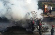 حريق بشاحنة بمنطقة ليساسفة يخلف ذعر مستعملي الطريق والمارة