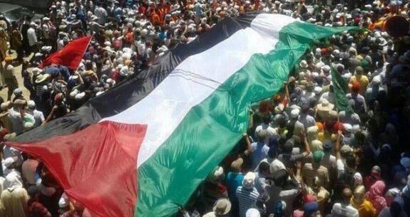 مئات المغاربة يحجون إلى الرباط للمشاركة في ''مسيرة القدس''