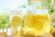 مشروب الليمون والماء.. بين الفوائد المذهلة والخطأ الشائع