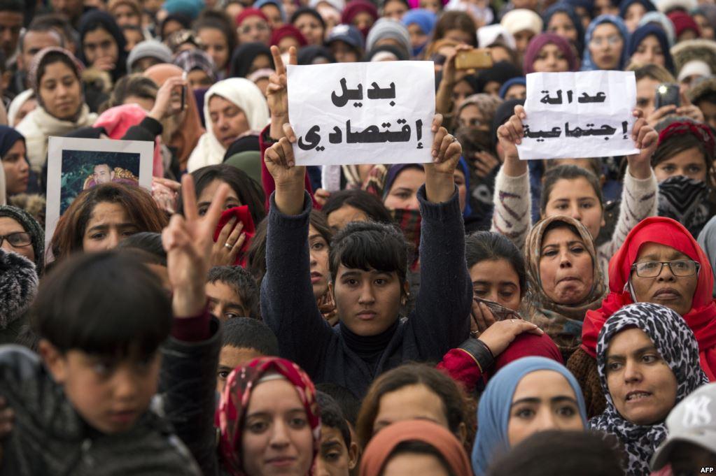 العثماني يعقد اجتماعات مع منتخبي حزبه بجرادة لتطويق الاحتجاجات
