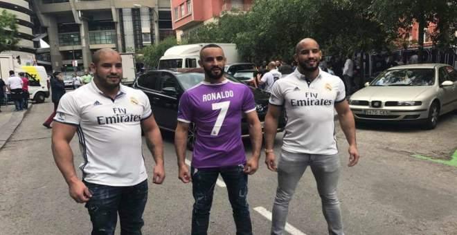 صورة أبو زعيتر رفقة نجمي مدريد رونالدو وحكيمي تخلق الحدث على مواقع التواصل