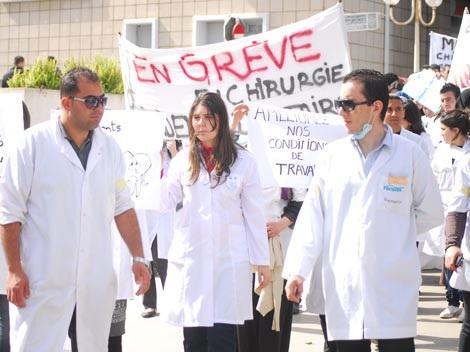 شلل مرتقب بالمستشفيات بسبب إضرابات الأطباء