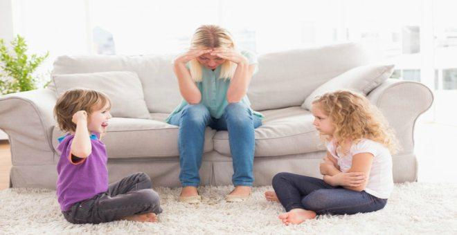 تصرفات تظهرك سخيفة في أعين أطفالك
